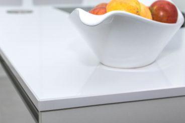 High Tech Keramik VidroStone mit eleganter Kantenverarbeitung