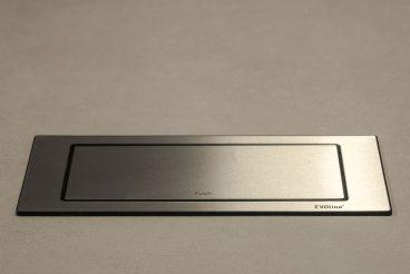 EVOline Backflip Steckdose mit USB (geschlossen)