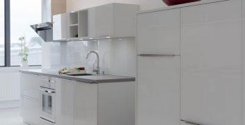 SYSTEMAT by Häcker - Designglas Front mit Glasrückwand