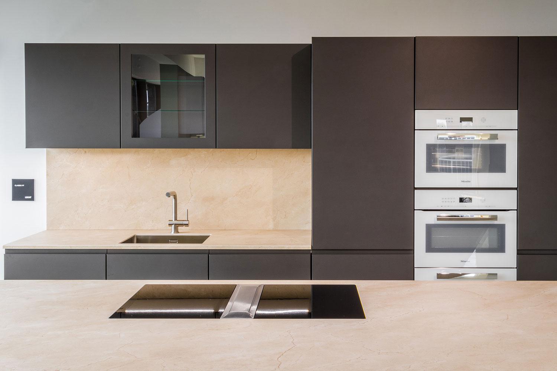 Leicht kuchen classic ff bohm interieur abverkauf for Leicht küchen abverkauf
