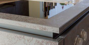 Hochwertig verarbeitete Oberflächen aus Keramik