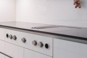 Designstarkes Kochfeld BORA Professional mit Abluftsystem