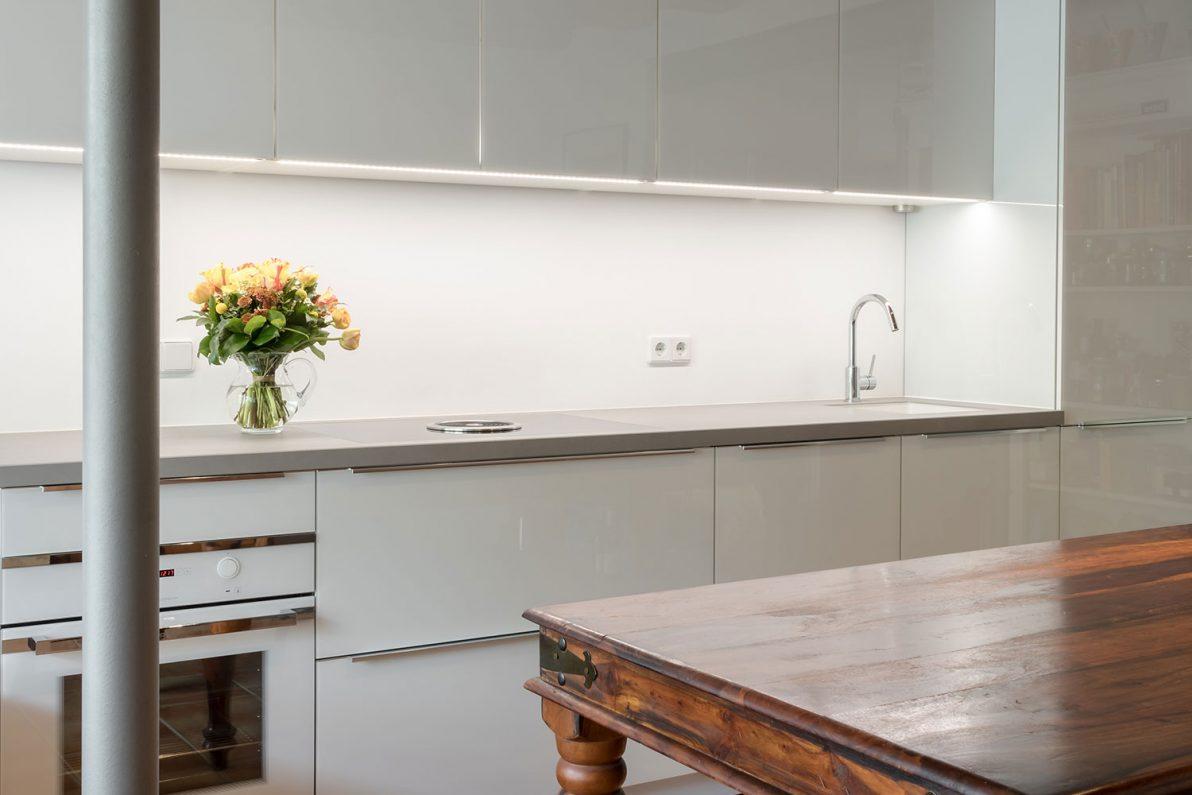 wei er monolith in babelsberg b hm interieur projekte. Black Bedroom Furniture Sets. Home Design Ideas