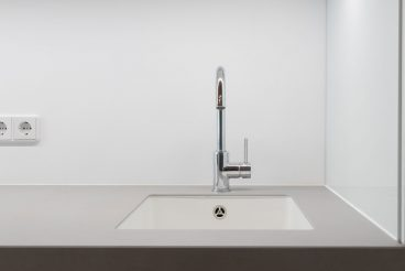 Unterbauspülbecken von Bianco eingelassen in Küchenarbeitsplatte aus VidroStone High Tech Keramik