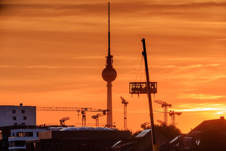 Update mit video mit bora in luftiger h he b hm interieur - Fliesenausstellung berlin ...