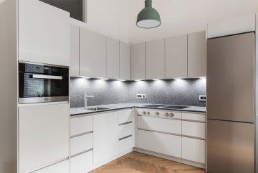 Über Eck - Kleine Küche, großes Design und Funktionalität