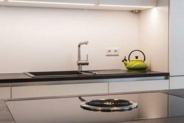 Optimale Positionierung vom Kochfeld BORA Basic BIU und dem Spülbecken - Kochspaß geht so einfach