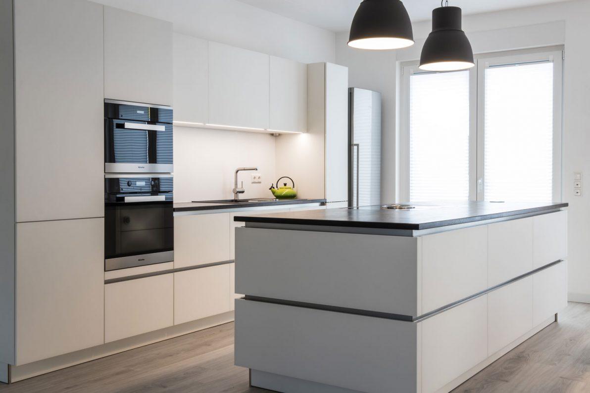matte glasfront in adlershof b hm interieur projekte. Black Bedroom Furniture Sets. Home Design Ideas