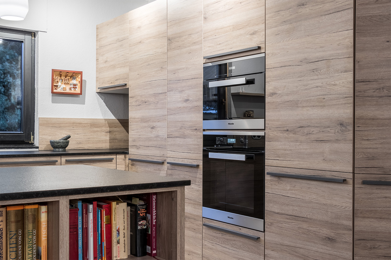 Atemberaubend Küche Grundriss Mit Versteckter Speisekammer Ideen ...