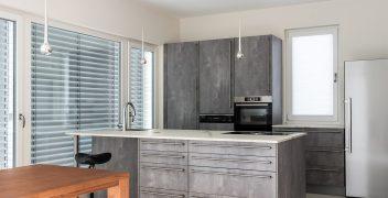Offen gestaltete Küche mit Coolnessfaktor und dem Extra an Exklusivität