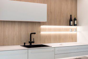 Ultradünne Lichtregale setzen perfekte Lichtakzente